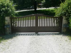 image d'un portail en bois