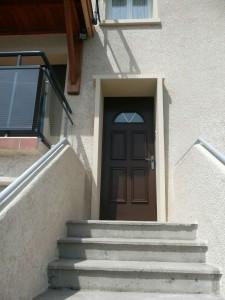 image d'une porte pavillonnaire